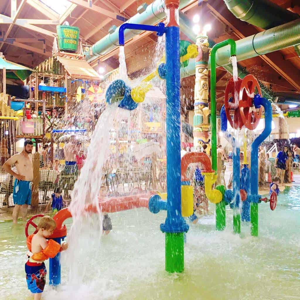 Great Wolf Lodge Kansas City | Family Travel | Indoor Water Park | Hotel Resorts for Kids | www.madewithhappy.com