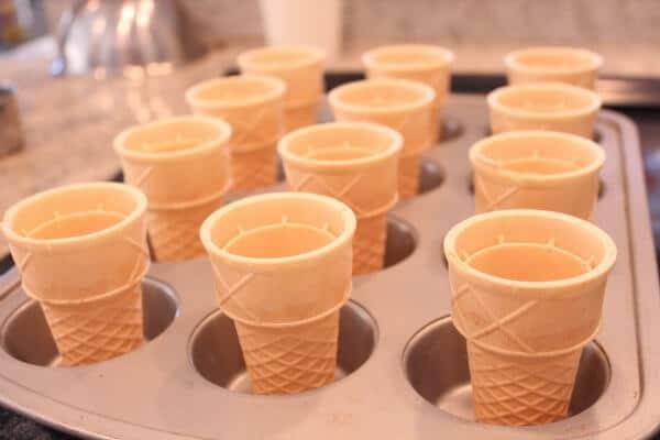 ice-cream-cone-cupcakes-1