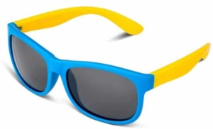 Kids Sunglasses | Fun colored Sunglasses for Kids | Pokemon Go Must Have | Items for your kids and their Pokemon Go | How to play Pokemon Go with your kids | All you need for Pokemon Go | www.madewithhappy.com