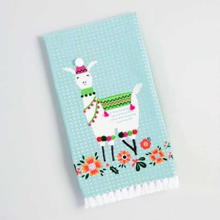 7 fun ways to decorate with llamas