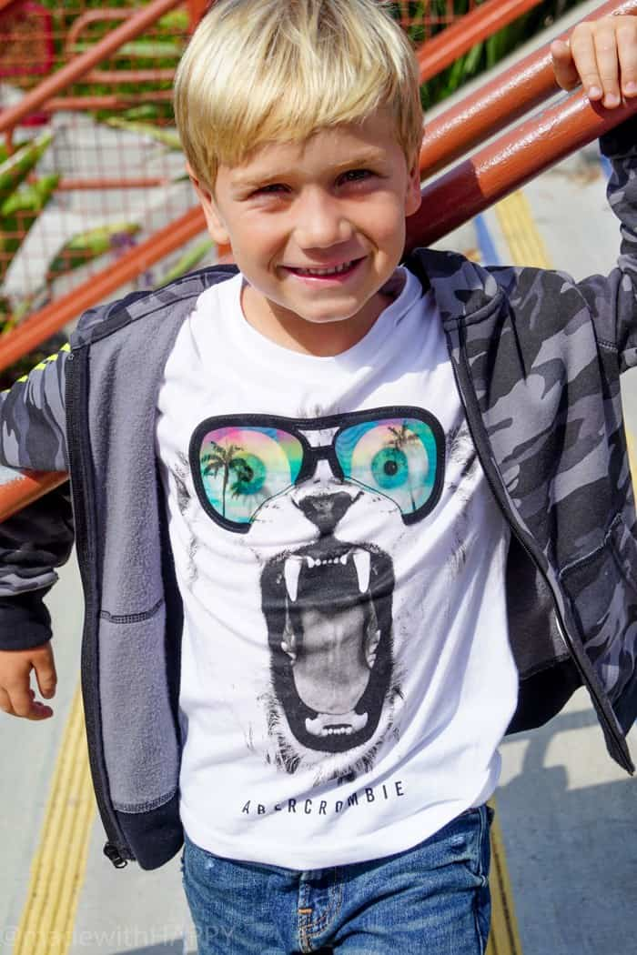 Great looks for both boys and girls for back to school. Looking for affordable and trendy back to school fashion, then look no further. We're sharing our HAPPY new favorite back to school fashion brand Abercrombie Kids. Back to school clothes for kids.