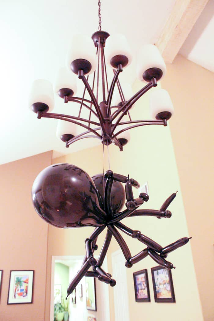 How to Make a Spider out Balloons