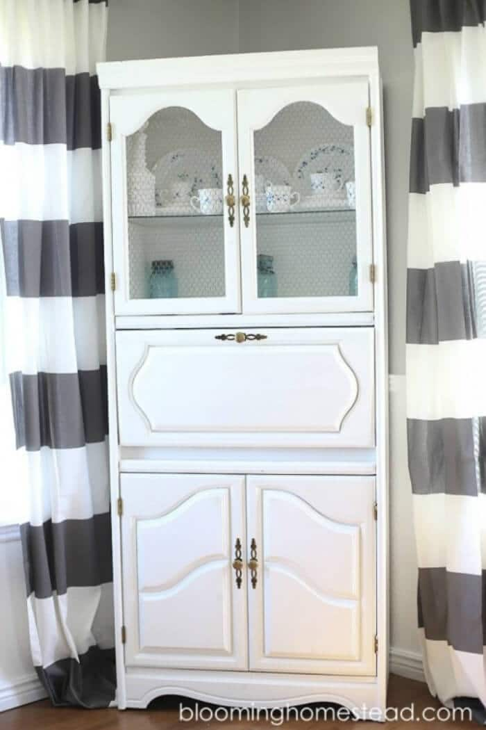 Cabinet-Makeover-with-Chalk-Paint-Blooming-Homestead-700
