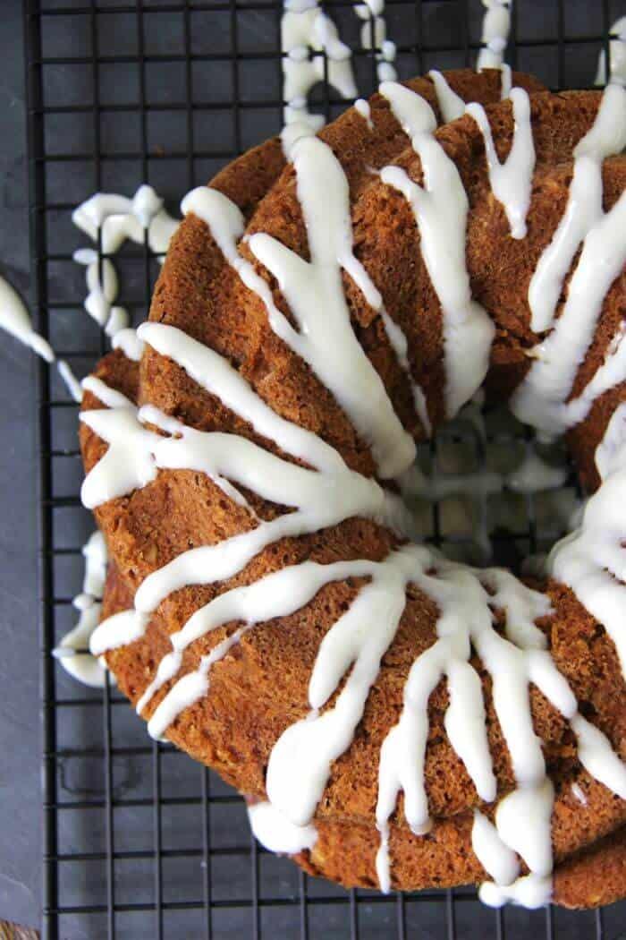 Carrot Pumpkin Bundt Cake 2A Pretty Life 5 Super Fun Fall Foods | Halloween Themed Foods, Fall Flavored Foods | The Handmade Hangout | www.madewithHAPPY.com