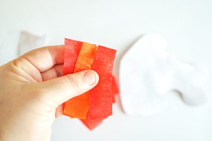 gathering of the three ends of the crepe paper