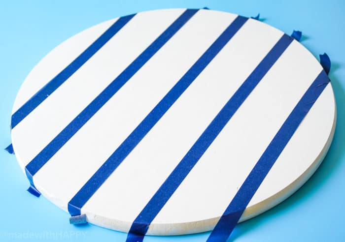 DIY Table Top. How to Make a Lazy Susan. DIY Home Decor with Rainbow Colors. Paint projects for the home. Rainbow accents around the house. DIY Home Decor with this lazy susan