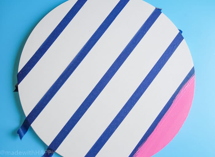 Making things out of table tops. How to Make a Lazy Susan. DIY Home Decor with Rainbow Colors. Paint projects for the home. Rainbow accents around the house. DIY Home Decor with this lazy susan