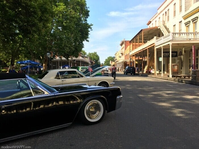 Old Town Sacramento   Sacramento Music Festival   Grilled Steaks   Duraflame Instant Lighting Charcoal   Charcoal Grilled Steaks   Nothings Hotter Tour   www.madewithhappy.com