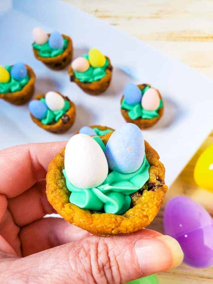 Displaying a Cookie Cup for Easter