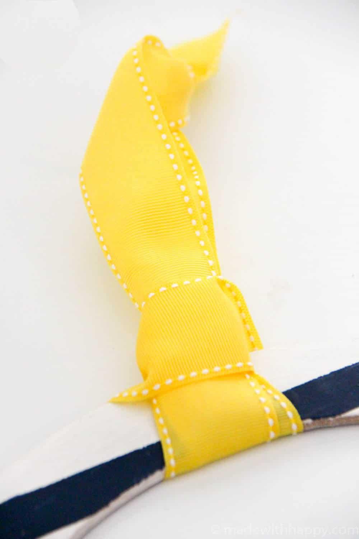 ribbon tie