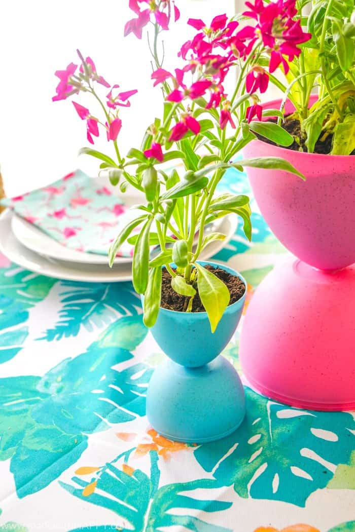 These Easter centerpieces are perfect for your Easter table.  Sweet and Simple DIY Easter Decorations. Easter tablescapes full of flowers and fun.