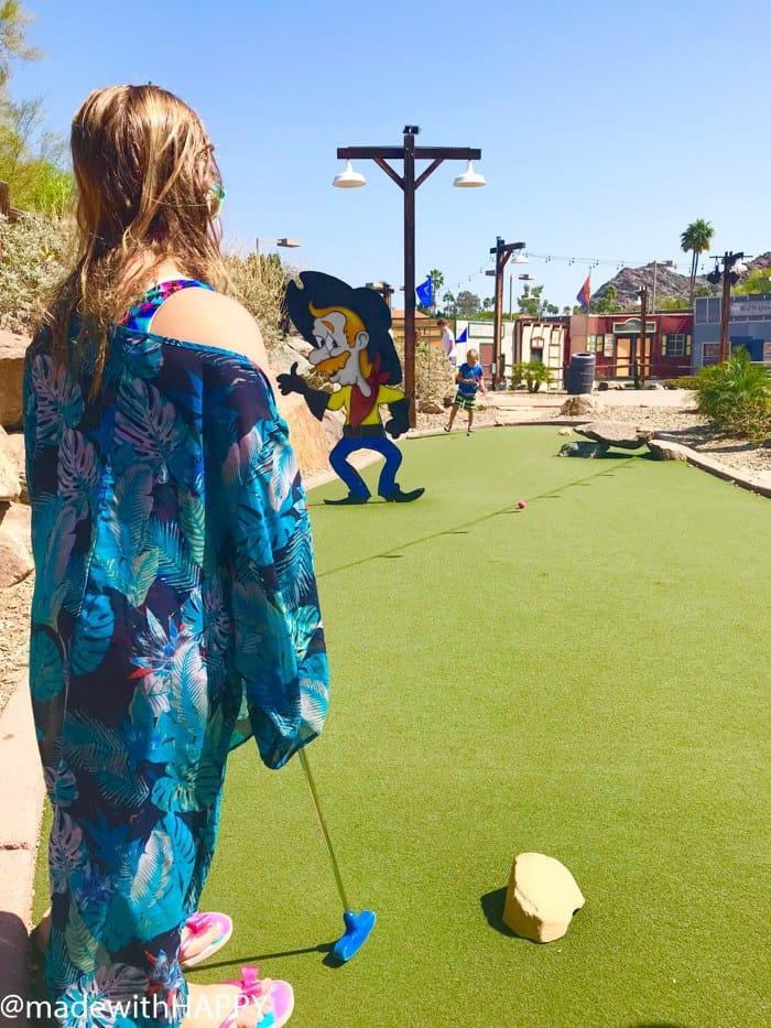 Point Hilton Squaw Peak Mini Golf. Fun things to do in Phoenix Arizona. Phoenix Arizona Attractions. Spring Break Road Trip from San Diego to Phoenix. Fun Stops from California to Arizona.