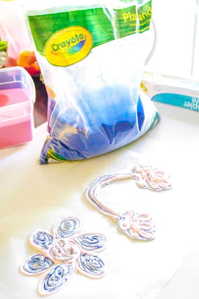 Puffy Paint Art with Shaving Cream. We're excited to be sharing how to make puffy paint using just two supplies. Kids crafts and kids art can be fun and and creative.