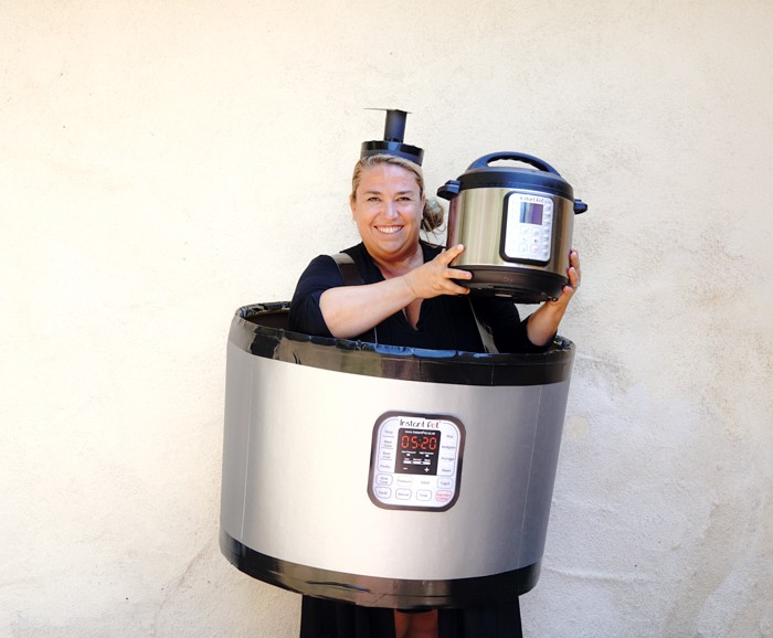 Instant Pot Ideas. DIY Instant Pot Costume. Easy DIY Costumes for Halloween. Halloween Costume Ideas DIY. Do it yourself Halloween Costumes just in time for your costume party.