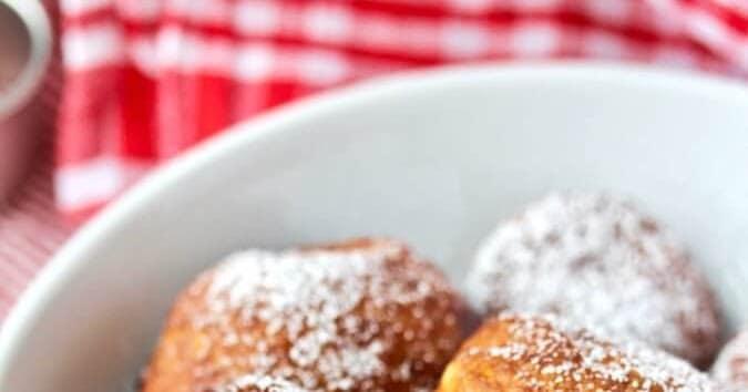 Sufganiyot (Hanukkah Jelly Doughnuts)