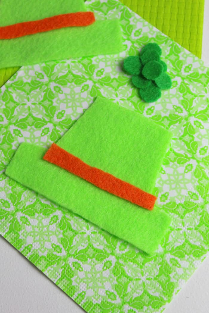 Cutting crafting felt