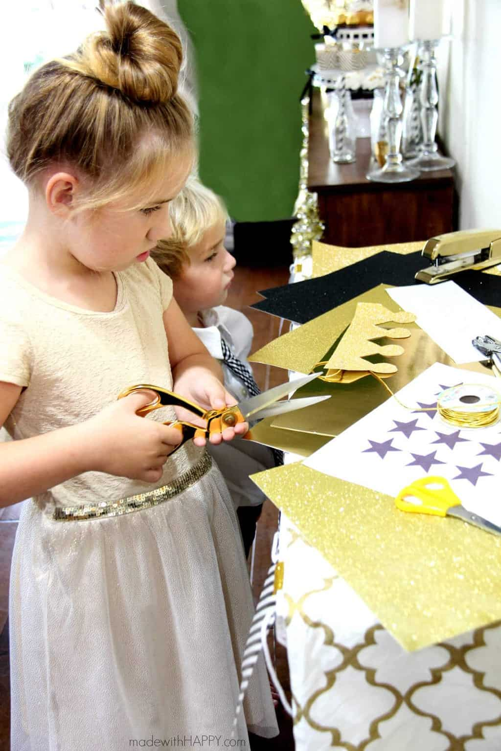 Kids New Years Eve Party | Black, White and Gold Kids Party | Pottery Barn Kids New Years Eve Party | www.madewithHAPPY..com