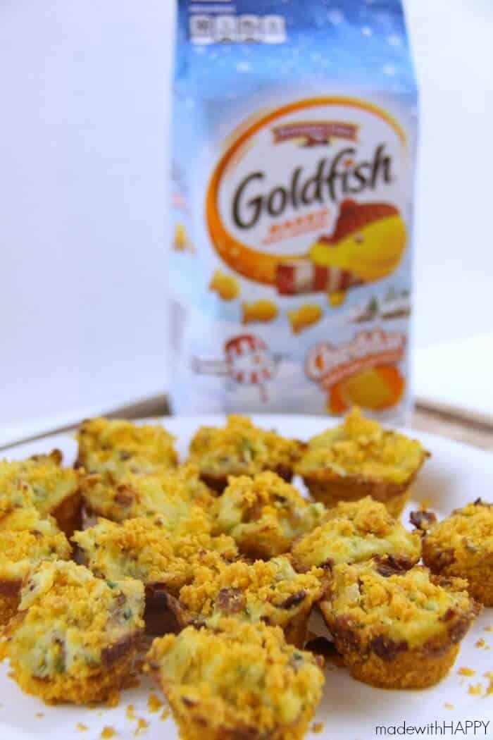 Leftover Cheesy Mashed Potato Bites   Cheddar Goldfish Crusted Potato Bites   Holiday Appetizer Ideas   AD www.madewithHAPPY.com