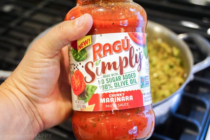Ragu Simply Chunky Marinara. Easy Healthy Vegetarian Dinner. Weeknight dinner ideas for busy families. Simple pasta dishes with delicious Pasta Sauce recipe. Penne pasta dish. Healthy recipe.