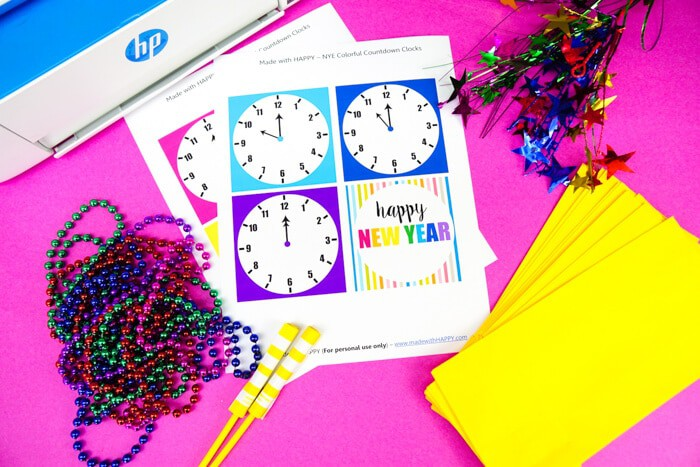 New Years Countdown Clock | Printable New Year's Eve Countdown Clock Bags | Kids New Years Eve Celebration | Family friendly new years party celebration. www.madewithhappy.com