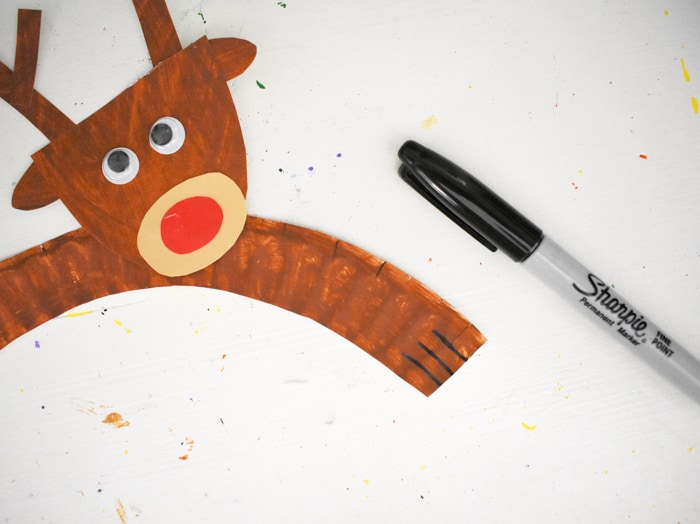 Adding the hooves to reindeer