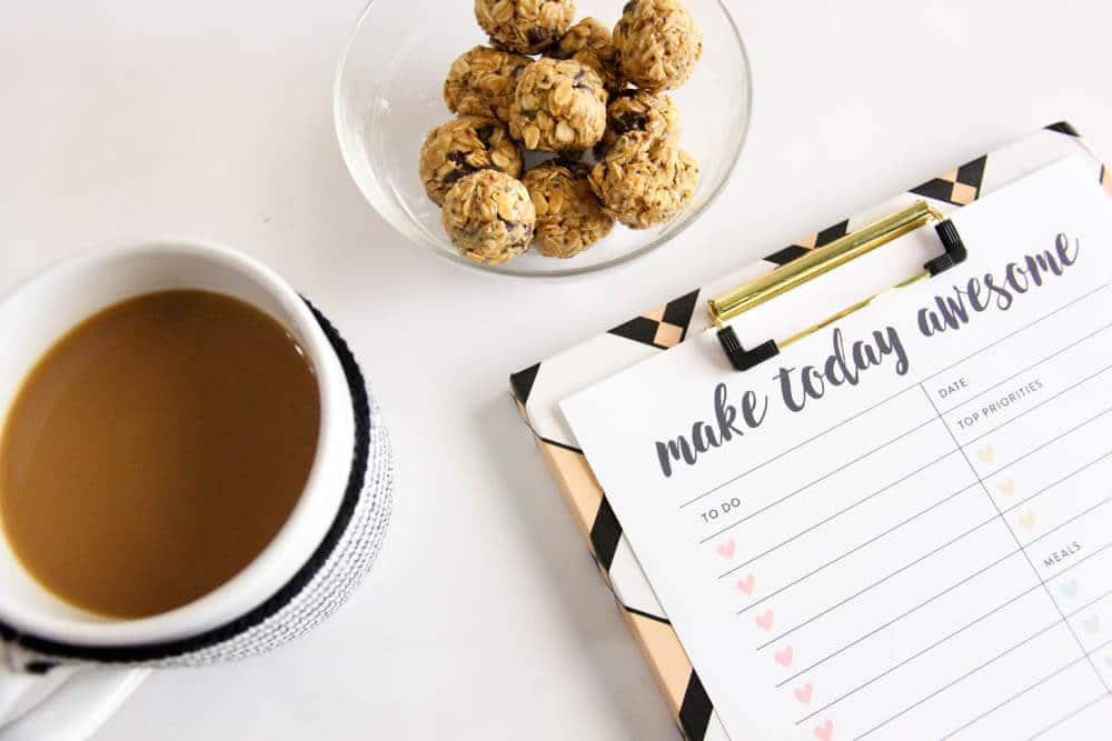 Less is more in the New Year | 5 Ingredient Energy Bites | Bulletproof Coffee | www.madewithhappy.com