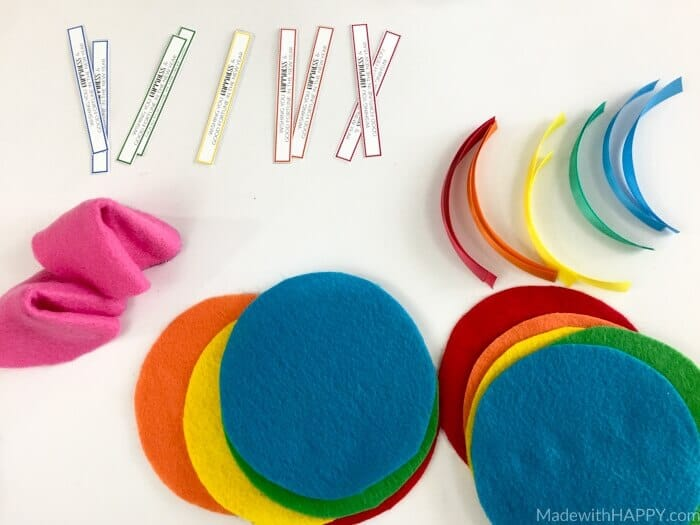 Rainbow Felt Fortune Cookies | DIY Fortune Cookies | Free Printable Fortune Cookie Fortunes | Chinese New Year Kids Crafts | Fun activities to do with the kids for Chinese New Year. | Valentines Fortune Cookies | www.madewithhappy.com