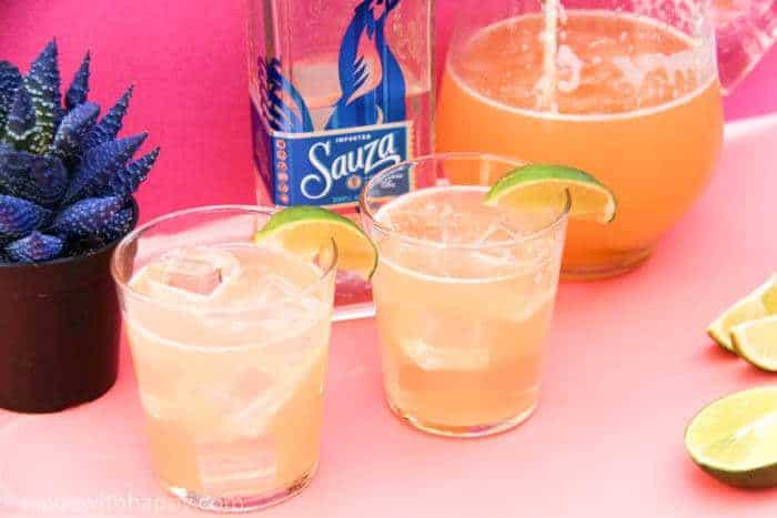 How to throw a Margarita Party for Cinco de Mayo | 3 Ingredient Margaritas | Beer Margarita | Margarita recipe | Cinco de Mayo party | www.madewithhappy.com