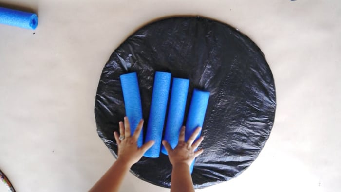 cut pool noodle into four pieces