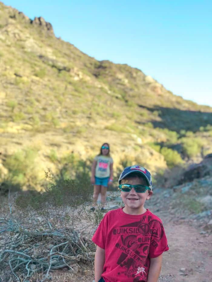 Kid Friendly Hikes in Phoenix Arizona. Fun things to do in Phoenix Arizona. Phoenix Arizona Attractions. Spring Break Road Trip from San Diego to Phoenix. Fun Stops from California to Arizona.