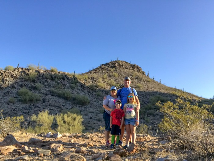 Family Hiking Squaw Peak. Hiking in Phoenix. Fun things to do in Phoenix Arizona. Phoenix Arizona Attractions. Spring Break Road Trip from San Diego to Phoenix. Fun Stops from California to Arizona.