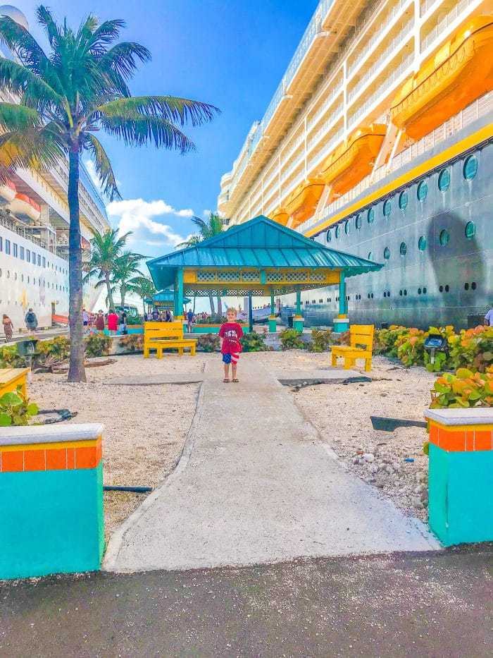Visiting the Bahamas port on the Disney Cruise. What is really like on a Disney WDW Cruise. Answering questions about Disney Cruise and the Disney Dream. What to expect on a Disney Cruise. The Disney Cruise as a family of four!