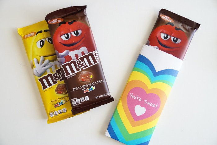 Gift Ideas for Valentines Day. DIY Candy Bar Wrappers are great for Valentines. These simple free printable DIY Candy Bar Wrappers are great for the M&M Candy Bars. Valentines presents for your neighbors and friends!