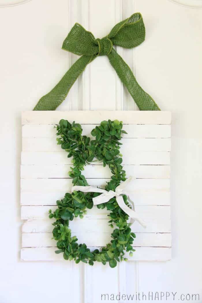 Boxwood Bunny Door Hang | Simple Easter Decor | Bunny Wreath | www.madewithHAPPY.com