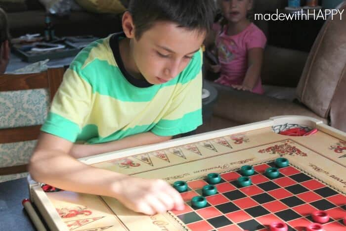 carrom-checkers-game