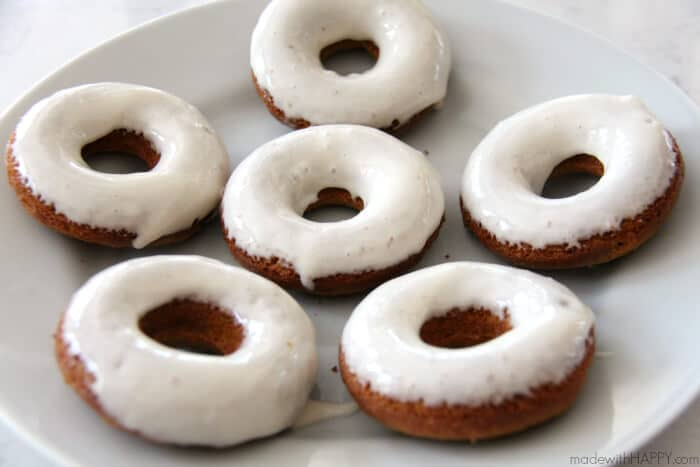 Homemade Carrot Cake Donuts with Cream Cheese Frosting | No Fry Baked Donuts | Carrot Cake Doughnuts | www.madewithHAPPY.com