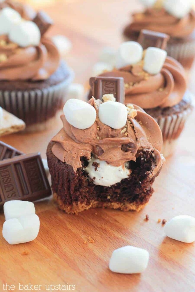 S'Mores Cupcakes are one of the best cupcake recipes!