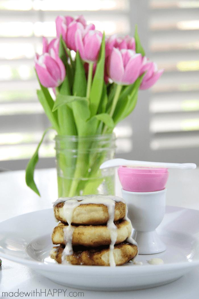 Cinnamon Roll Waffles | Easter Breakfast | Cinnamon Roll with Cream Cheese Icing | www.madewithHAPPY.com