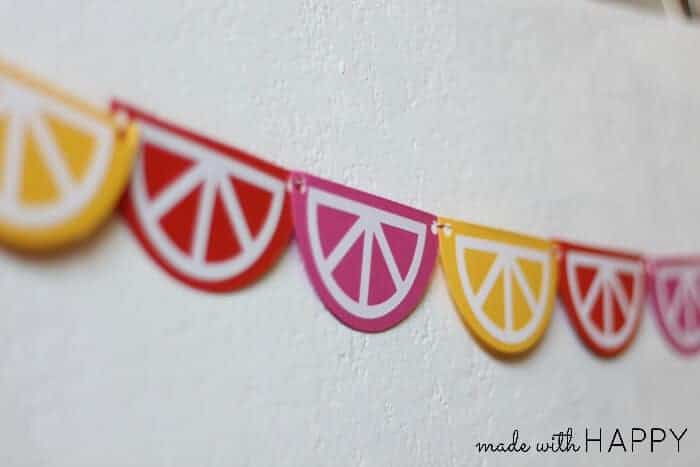 Summer Citrus Garland - Lemon Slices, Orange Slices, and Grapefruit Slices - Made with HAPPY www.madewithhappy.com