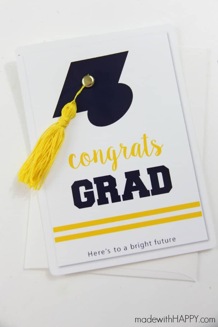 How to make a tassle | DIY Graduation Card | Easy tutorial for tassels | www.madewithHAPPY.com