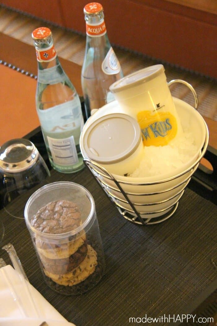 cookies-milk-room-service