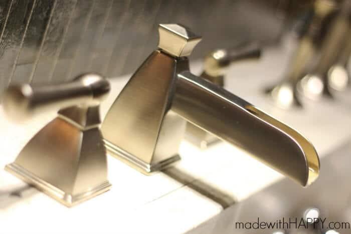 delta-faucet-bathroom