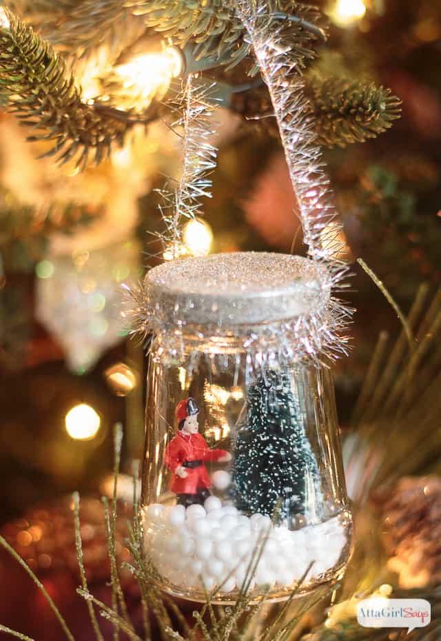DIY Christmas snow globe ornaments