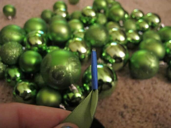dollar-store-ornament-garland-2