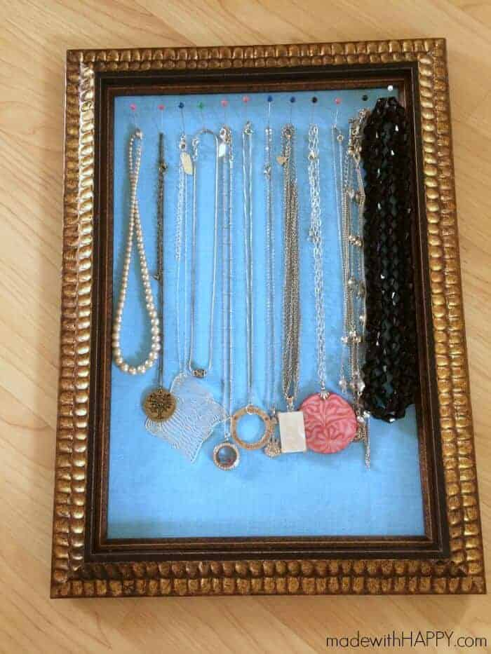 easy-inexpensive-necklace-holder-diy