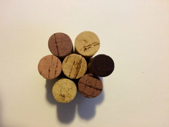 Cork Ornaments. Crafts with corks. Ornament crafts. Christmas Crafts for kids. Kids Ornaments. Cork Crafting.
