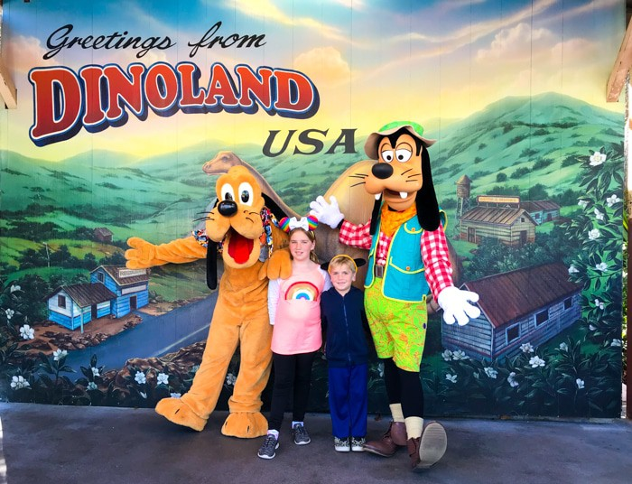 Dinolan Goofy and Pluto Meet and Greet in the Animal Kingdom. Ultimate guide to plan a disney world vacation. Tips and tricks to planning a family vacation to disney world. Disney world parks, hotels, flights and so much more!
