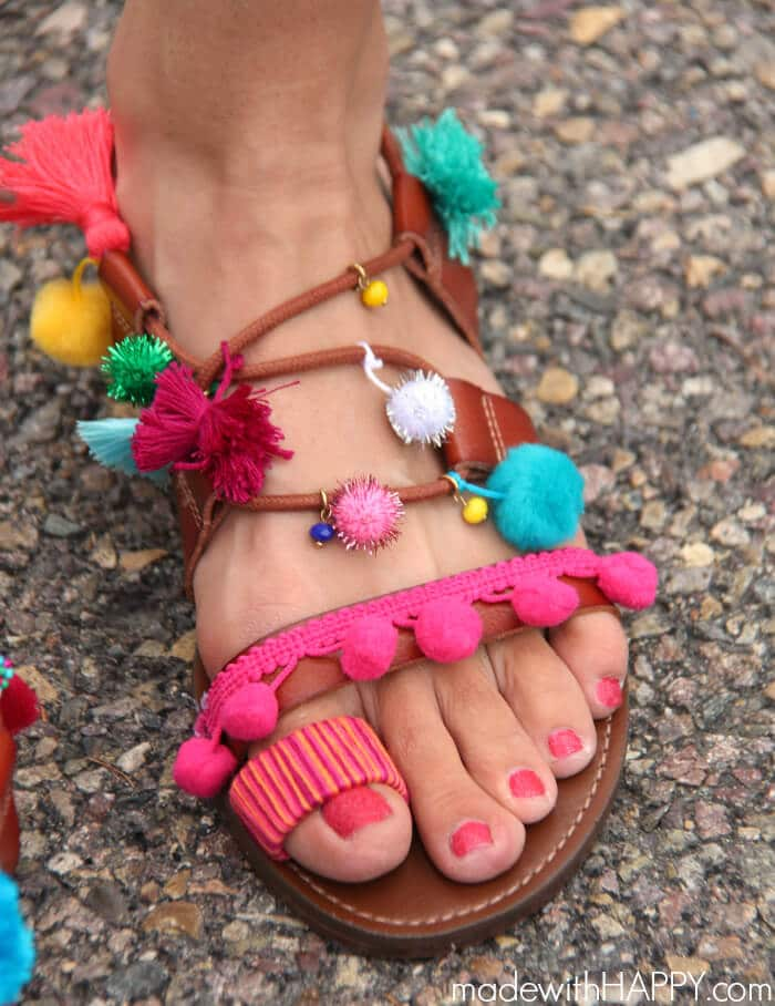 DIY Summer Sandals | Colorful Sandals | DIY Gladiator Sandals | Pops of color during your summer fashion | www.madewithhappy.com