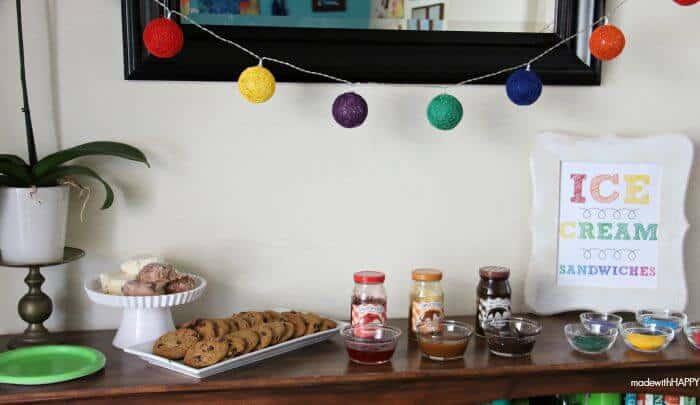 Ice Cream Sandwich Bar | Summer Parties | www.madewithHAPPY.com #SundaeFundae AD