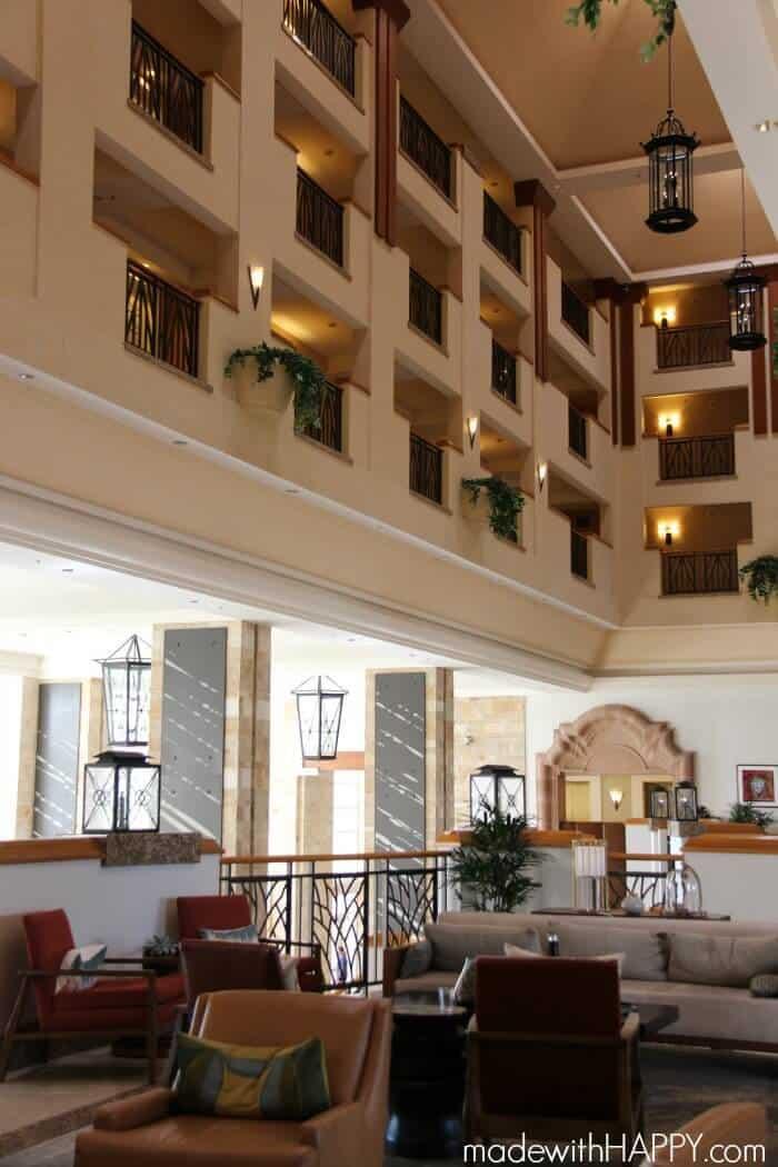lobby-jw-desert-ridge-2